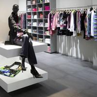 reforma-adecuacion-tienda-custo-bcn